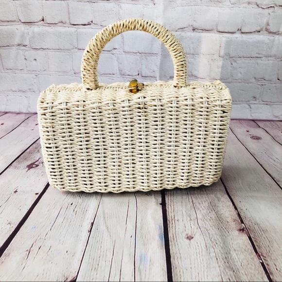 Vintage Handbags - Vintage basketweave top handle bag